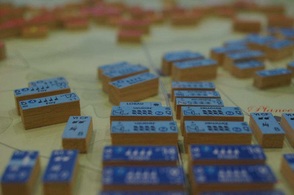 detalle de unidades en madera